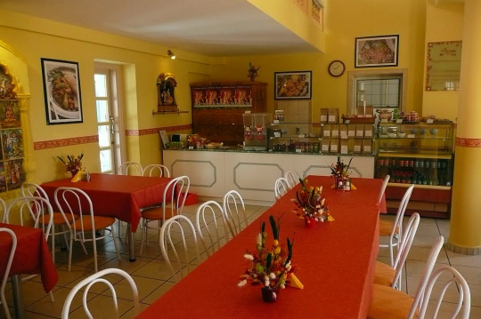 Krisna_volgy_Govinda_etterem_Krishna_valley_Govinda_restaurant_540_1