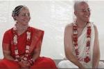 A 2008-as Krisna-völgyi Búcsú Védikus esküvőjének ifjú párja