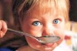 kisgyerek_eszik1